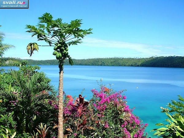 Тонга, острова Вавау, одна из многочисленных лагун.